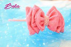 Tiara com Arco Rosa e Laço Pink de Cetim Especial decorado com Pérolas e Strass.