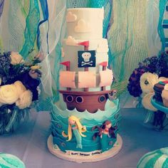 Pirate and mermaid cake by Blue cupcake