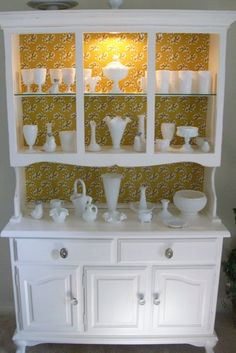 Heirloom hutch w/ milk glass collectable.