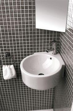 Con esta idea Gala pone en el mercado una extensa línea de lavamanos ideales para optimizar el espacio del baño, especialmente en baños de cortesía o en aquellos que dejan muy poco espacio para el lavabo.