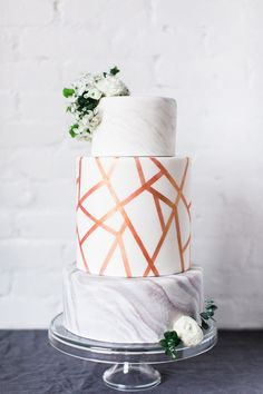 Modern Marble and Copper Wedding Cake with Abstract Print and Spring Flowers #wedding #weddings #weddingideas #weddingeditorial #weddingday #glam #weddingphotos #weddingreception #weddingcake #cake #desserts #metallic #marble #Marbledcake