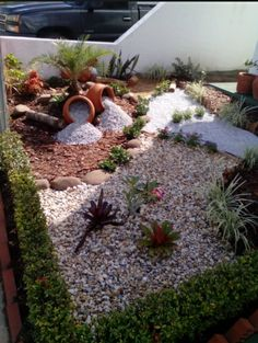 41 awesome diy rock garden ideas for backyard 24 « Desing Rock Garden Design, Backyard Garden Design, Garden Landscape Design, Landscaping With Rocks, Front Yard Landscaping, Landscaping Ideas, Garden Yard Ideas, Garden Projects, Backyard House