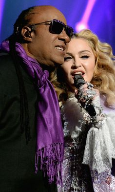 Stevie Wonder Crashed Madonna's Prince Tribute and Made Everyone Cry http://www.popsugar.com/entertainment/Madonna-Prince-Tribute-Billboard-Music-Awards-2016-41389642?utm_campaign=share&utm_medium=d&utm_source=buzzsugar via @POPSUGAREnt