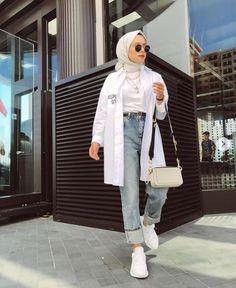 ✔ Fashion Summer Hijab Outfit Source by CarolineAverill outfits hijab Hijab Fashion Summer, Modern Hijab Fashion, Street Hijab Fashion, Hijab Fashion Inspiration, Muslim Fashion, Bollywood Fashion, Hijab Casual, Hijab Chic, Casual Ootd