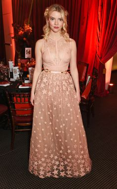 The young actress Anya Taylor-Joy is magnetic in Gucci prints, shearling coats, and vivid heels. Joy Taylor, Anya Taylor Joy Split, Anya Joy, Ballerina Tutu, Embellished Skirt, Gala Dinner, Milan Fashion Weeks, Costume, Lady Dior
