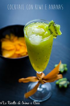 Cocktail con kiwi e ananas