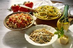 Can Eating Carbs at Dinner Help You Lose Weight? If your dinner is packed with lean protein, read this. Eating to lose weightand to prevent diabetes and obesitymay mean switching things up. Healthy Pasta Recipes, Healthy Pastas, Nutritious Meals, Healthy Foods To Eat, Healthy Eating, Eating Vegan, Dinner Healthy, Weight Gain Meal Plan, Healthy Weight Gain