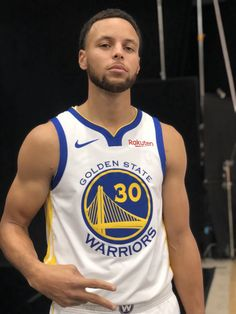 Play Basketball Near Me Basketball Game Tickets, Mba Basketball, Love And Basketball, Basketball Players, Soccer, Stephen Curry Family, Nba Stephen Curry, Stefan Curry, Curry Memes