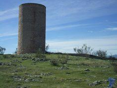 La atalaya del Vellón fue construida durante el transcurso del siglo X, en época califal, formaba parte de la red de puestos de vigilancia de la Marca Media. el vellon 7.jpg