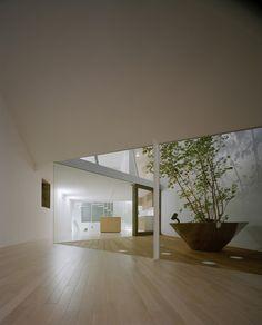 A Hill On A House. Location: Shibuya, Tokyo, Japan; firm: Yuko Nagayama & Associates; photos: Daici Ano.