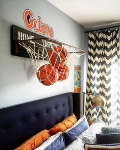 17 Inspirational Ideas For Decorating Basketball Themed Kids Room Boy's bedroom ideas and decor inspiration; Bedroom Themes, Girls Bedroom, Bedroom Decor, Boy Sports Bedroom, Boys Basketball Bedroom, Basketball Room Decor, Boys Room Sports, Bedroom Designs, Basketball Shoes