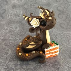 Pumpkin-Cake-Dragon-Sculpture-by-Dragons-and-Beasties