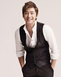 Korean actor Kang Ji-hwan [S-Plus Entertainment] Yoon Eun Hye, Asian Actors, Korean Actors, Park Si Hoo, Kim Bum, Lie To Me, Older Men, Korean Men, Korean Drama