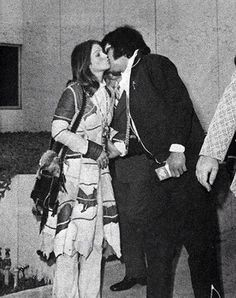 Elvis and Priscilla's Divorce day the..... last kiss... but they remained good friends...