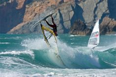 The best windsurfing spots in the world Kitesurfing, Alicante, Ocean And Earth, Sup Surf, Water Waves, Water Photography, Big Waves, Best Location, Extreme Sports
