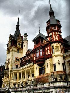 Peles-Castle--Romania-4f0774db0d9b9_hires.jpg (1800×2400)