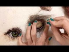 Needle-felted cat's eye tutorial - wool painting by Sarah Vaci - YouTube