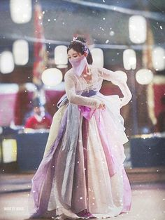 Kim Yoo-jung : Moonlight Drawn By Clouds 2016 Korean Hanbok, Korean Dress, Korean Outfits, Korean Traditional Dress, Traditional Outfits, Kim Joo Jung, Moonlight Drawn By Clouds, Moon Lovers, Drama Korea