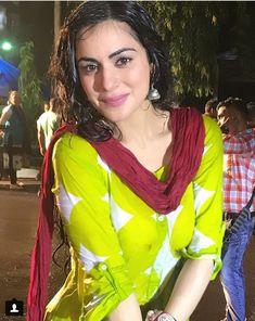 Leaf Crafts, Jennifer Winget, Pakistani Suits, Arya, Beautiful Actresses, Photo Booths, Celebrities, Face, Fashion