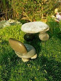 Fairy Garden Ideas/stones glued as table / chairs