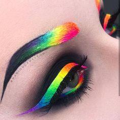 Creative Makeup Looks DIY Makeup ideas Makeup tutorial Makeup tips makeup & beauty makeup, nails, hair, skincare and fashion Cool Makeup Looks, Crazy Makeup, Cute Makeup, Gorgeous Makeup, Makeup Goals, Makeup Inspo, Makeup Inspiration, Makeup Ideas, Makeup Tips