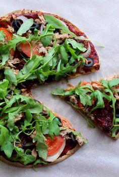 Zonderzooi staat in het teken van gezonde recepten, natuurlijke verzorging en een duurzame lifestyle. Alle recepten zijn vegetarisch of vegan. Tuna Pizza, Pizza Wraps, Food Plus, Fresh And Clean, How To Stay Healthy, Vegetable Pizza, Dinner Recipes, Brunch, Low Carb