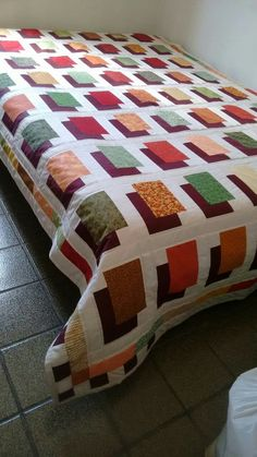 patchwork and applique - DiyForYou Colchas Quilting, 3d Quilts, Jellyroll Quilts, Strip Quilts, Scrappy Quilts, Easy Quilts, Quilting Designs, Log Cabin Patchwork, Log Cabin Quilt Pattern