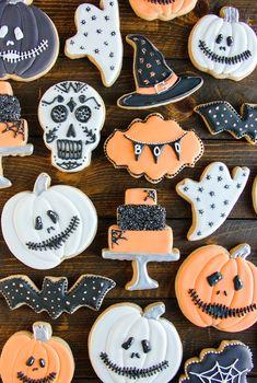Decorated pumpkin cookies, white pumpkin cookie, H Halloween Desserts, Halloween Pumpkin Cookies, Halloween Cookies Decorated, Halloween Goodies, Halloween Treats, Halloween Party, Pumpkin Sugar Cookies Decorated, Gingerbread Cookies, Candy Corn Cookies