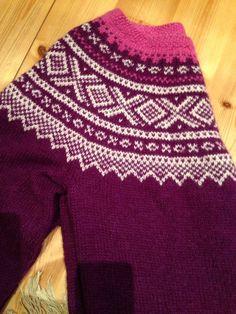 Marius i alpakka Knitting Projects, Christmas Sweaters, Island, Pattern, Fashion, Drawings, Block Island, Moda, La Mode