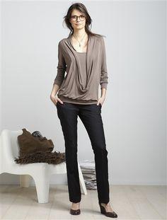 Die Umstandshose von Vertbaudet im eleganten City-Style bietet weichen Komfort für den Winter. Ideal sind die Stillshirts in femininer 2-in-1-Optik, die der Silhouette Stil verleihen und zudem mit vielen praktischen Details punkten.