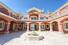 Are you a king and need a castle? Have a look at this luxury mansion.For sale at 7.950.000eur http://www.sisade.es/details/villa-for-sale-in-benahavis_R2920553