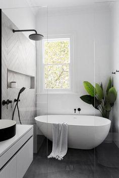 Surprising Modern Master Bathroom Decor Ideas - Page 11 of 35 Modern Master Bathroom, Modern Farmhouse Bathroom, Minimalist Bathroom, Simple Bathroom, Small Bathroom Bathtub, Small Bathrooms, Farmhouse Design, White Bathroom, Wet Room Bathroom