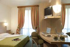 Double Room equipped with shower, hair-dryer, telephon, Tv, air conditioning, balcony, free Wi-Fi connection, Minibar
