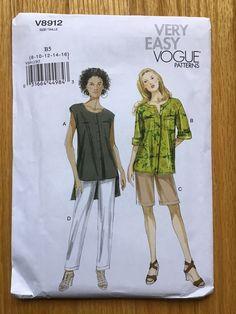 Pants Pattern, Top Pattern, Vogue Patterns, Sewing Patterns, Sewing Ideas, Loose Fitting Tops, Bias Tape, Workout Shorts, Hemline