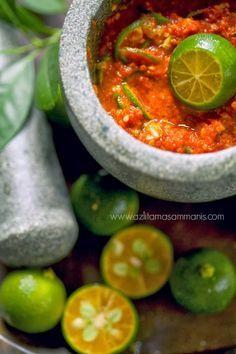 SAMBAL BELACAN LIMAU KASTURI Spicy Recipes, Asian Recipes, Cooking Recipes, Healthy Recipes, Ethnic Recipes, Malaysian Cuisine, Malaysian Food, Sambal Recipe, Sambal Sauce