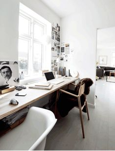 Having a home office is like putting your rest house inside your workspace. Home Office Space, Office Workspace, Home Office Desks, Office Decor, Entryway Decor, Workspace Inspiration, House Inside, Home Decor Kitchen, Simple House