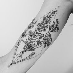"black-and-white-tattoo-social: ""// FLORAL // """