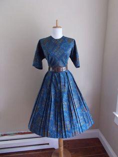 VINTAGE 1950s 1960s Blue Novelty Print Cotton Full Skirt di atomix, $69.99