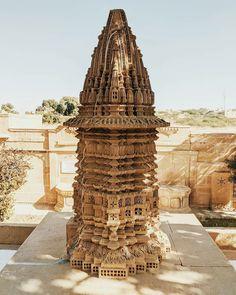 Temple India, Jain Temple, Buddhist Temple, Persian Architecture, Temple Architecture, Ancient Architecture, Spiritual Religion, Water Temple, Egyptian Temple