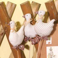 Márton napi textil libák - Art-Export webáruház Angel Decor, Textiles, Christmas Ornaments, Holiday Decor, Scrappy Quilts, Hens, Easter Activities, Christmas Jewelry, Fabrics