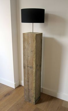 modern rustic wood beam floor lamp with drum lampshade Lampe Industrial, Pallet Furniture, Furniture Design, Pallet Floors, Diy Luminaire, Wood Lamps, Home And Deco, Wooden Pallets, Wood Design