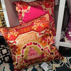5 Top Trends at Spring 2014 High Point Market - Decor Arts Now - Chinoiserie pillows at Surya. High Point Market Spring 2014 Finds We Love at Design Connection, In - Asian Bedroom Decor, Asian Decor, Living Room And Kitchen Colours, Kitchen Colors, Pillos, High Point Market, What's Your Style, Chinoiserie Chic, Colorful Furniture
