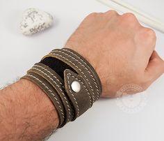 """Широкий мужской браслет из кожи, ручная работа, """"Boroda Design"""". #boroda_land #bracelet #voronezh #kaliningrad #boroda #браслет #браслет_из_кожи #мужской_браслет #ручная_работа #доставка_по_всему_миру #mensbracelet #mensaccessories #accessories"""