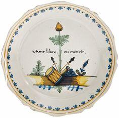 Lot n°135, assiette à bord, faïence de Nevers, diamètre 23,5 cm, estimation 200 à 400 €