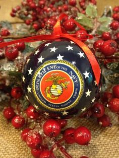 The United States Marine Corps (USMC) Christmas ornaments to ...