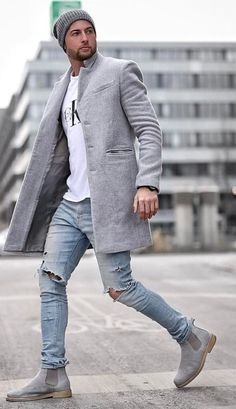 Building an autumn wardrobe is not very difficult all you have to do in incorporate few amazing colours in your closet for styling it during chilled days. Mens Fashion Blog, Boy Fashion, Winter Fashion, Fashion Outfits, Classy Casual Outfits For Guys, Fall Wardrobe, Men Looks, Mens Clothing Styles, Normcore
