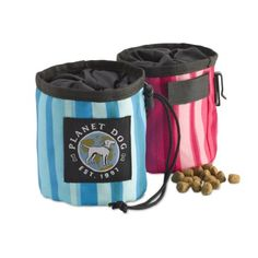 Planet Dog Snack Sack Dog Cat Treat Bag, at Only Natural Pet Store, attach around your waist or sling it over your shoulder to have snacks at the ready. Perfect for positive training outside or in the house. Dog Treat Bag, Treat Bags, Elevated Dog Feeder, On The Go Snacks, Dog Food Storage, Pet Treats, Dog Feeding, Pet Bowls, Dog Snacks