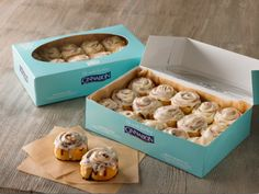 Note: Reposting as reminder :) Get a Free Minibon Cinnamon Roll at Cinnabon! Just join Club Cinnabon and receive a free coupon in your e-mail to redeem at a Cinnamon Roll Icing, Cinnabon Cinnamon Rolls, Best Cinnamon Rolls, Cinnabon Recipe, Insomnia Cookies, Rolls Recipe, Sweet Treats, Fast Foods, Pastries
