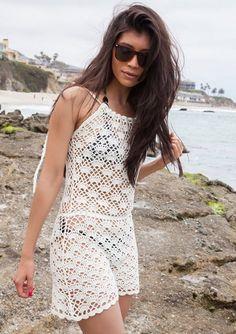 El vestido suele ser una de las prendas más complejas de tejer, en parte por su tamaño, en parte porque es complicado saber cómo te queda hasta que está prácticamente terminado. Y sí, no vamos a ne…