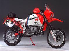 1986 HPN BMW PARIS DAKAR - I love the massive gunfighter gas tanks on the Dakar models